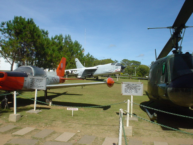 DSC01772planes.JPG